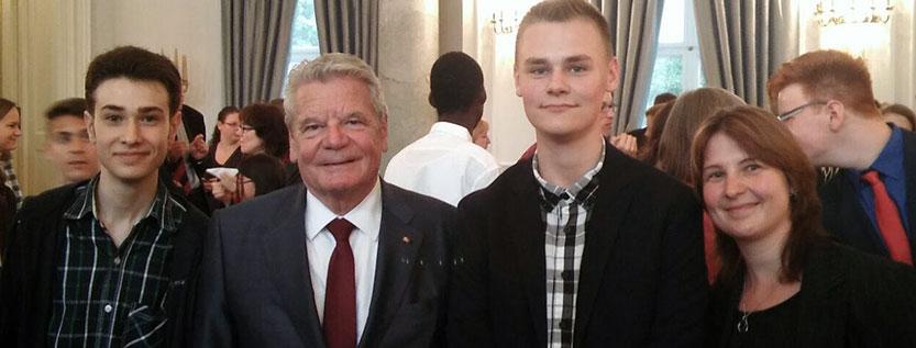 Schüler des Johann-Wolfgang-von-Goethe-Gymnasiums werden von Bundespräsident Gauck geehrt