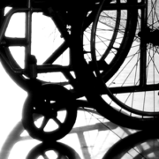 Altenpflege (Foto: Anders Wiuff/freeimages.com)
