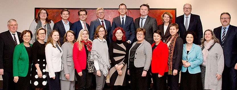 Gruppenfoto der Arbeits- und Sozialministerkonferenz (ASMK) in Potsdam