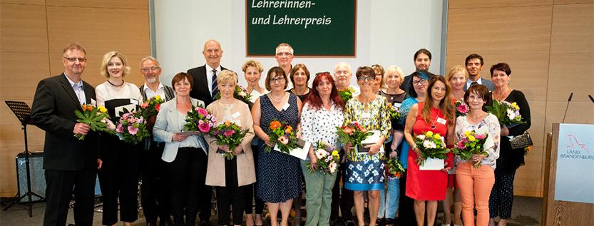 Gruppenfoto der Ausgezeichneten: Brandenburgischer Lehrerinnen- und Lehrerpreis 2018 (Foto: MBJS/Kuzia)