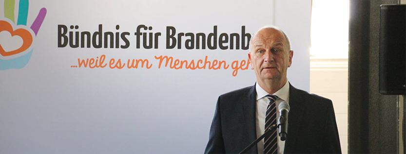 """Dialoforum """"Religionen und Weltanschauungen als Integrationsfaktoren"""" (Foto: tolerantes.brandenburg.de)"""