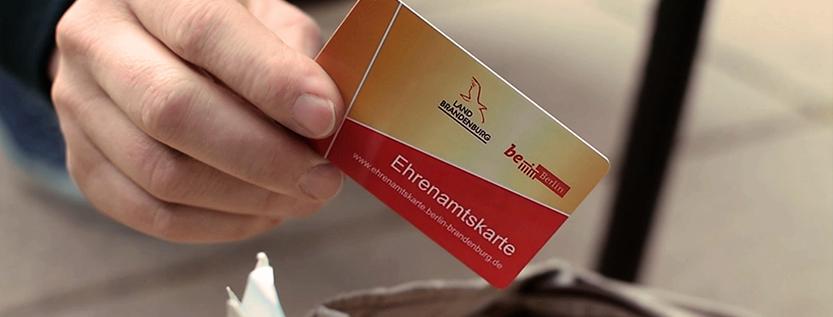 Screenshot aus dem neuen Werbevideo für die Ehrenamtskarte