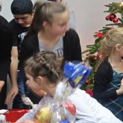 Sozialministerin Karawanskij und die Integrationsbeauftragte des Landes besuchen eine Weihanchtsfeier für geflüchtete Menschen (Foto: MASGF)