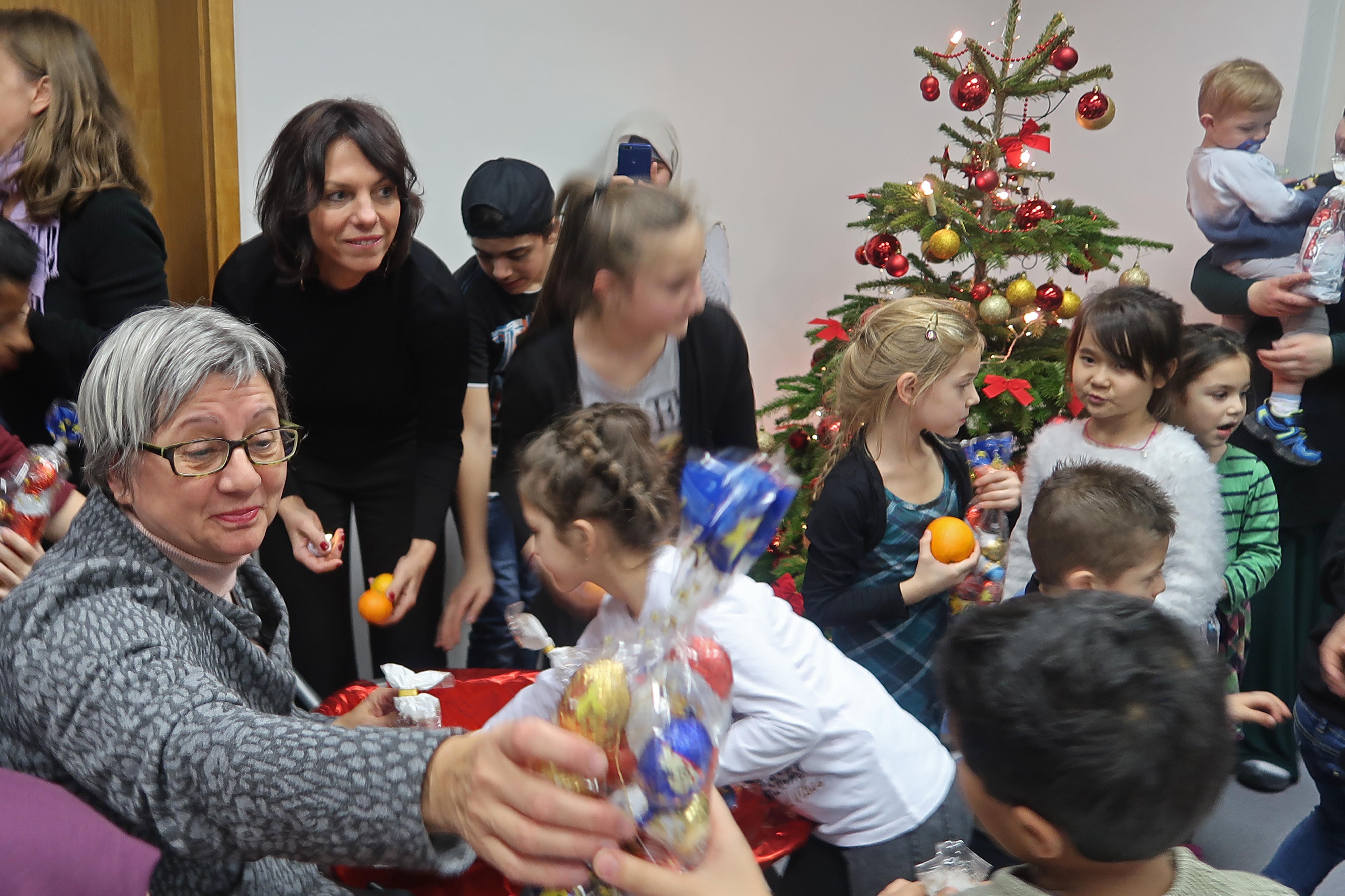 Weihnachtsfeier in einem Wohnheim für geflüchtete Menschen in Werder (Havel)