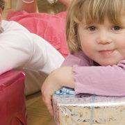Weihnachtsgeschenke - Kinder spenden für Kinder